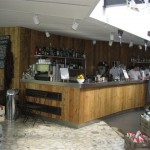 Serpentine Bar and Kitchen counter